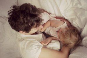 Bycie matką jest trudniejsze niż bycie ojcem.