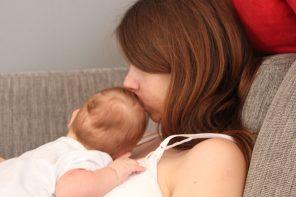 Twój dotyk zostawia u dziecka molekularny ślad na wiele lat – nowe badania.