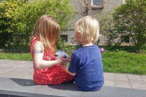 Czy małe dzieci widzą różnicę między autorytetem a przewagą sił i dostosowują do tego zachowanie?