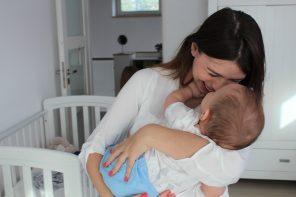 Sekrety budowania więzi – magiczne badania o tym co łączy mamę i dziecko.